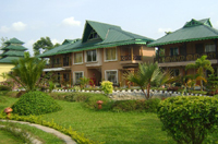 Green Touch Eco Resort - Side view with Pool
